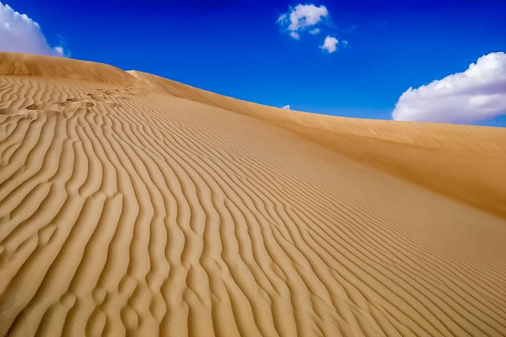 Dune ripples - Al Khazna, Abu Dhabi, UAE